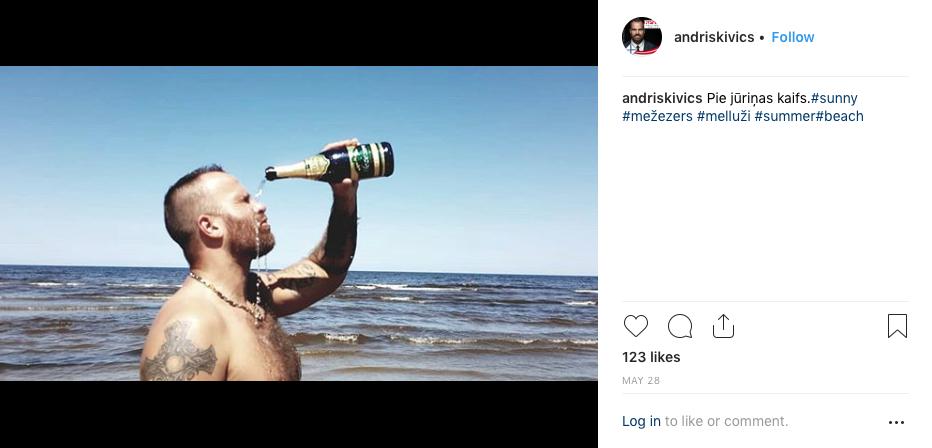 Andris Kivičs aizlej acis ar Mežezeru pie jūriņas
